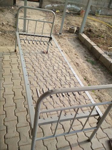 Продаю железный кровать хорошего состоянии. . в Бишкек