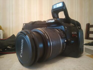 canon kiss x2 в Азербайджан: Canon EOS 550D (Kiss x4) satılır. Original yapon istehsalı. Yaxşı