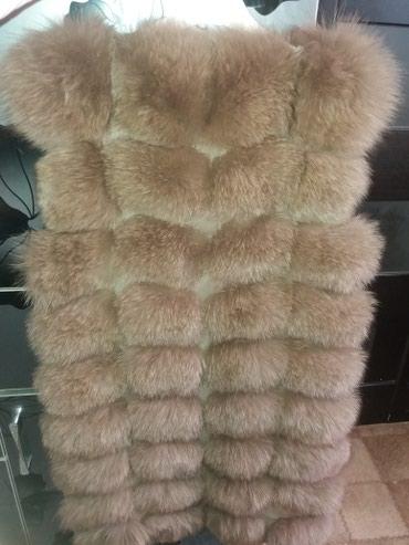 Продаю меховую жилетку  ни разу не одевала новая размер 44 в Бишкек