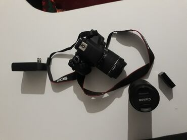 фотоаппарат canon eos 1100 d в Кыргызстан: Продаю Canon EOS Kiss X8iКак новый 2 объектив, сумка. Японец (язык