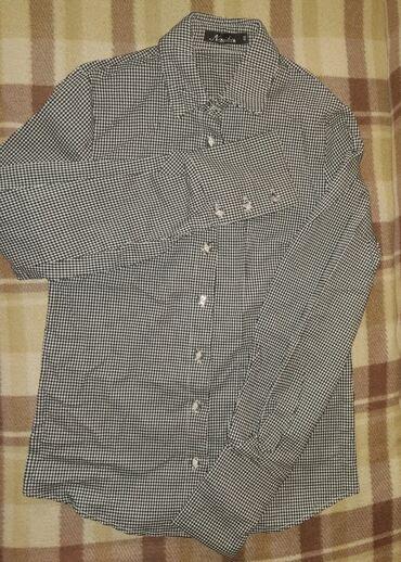 Женская рубашка, размер 44, в отличном состоянии