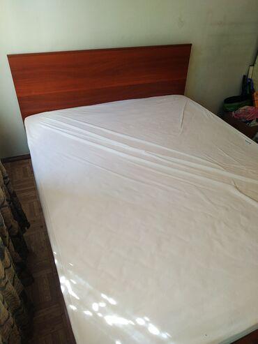 187 объявлений: Продаю двухспальный кровать с матрасом и чехлом,бу но очень в хорошем
