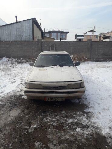 Toyota Camry 2 л. 1987
