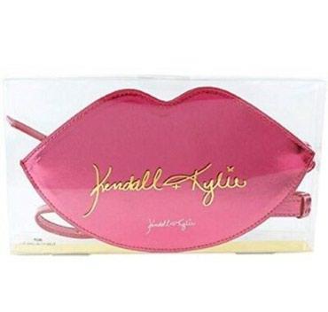 Kendall+Kylie Kardashian губы мини сумка пояс. Новая. Цена окончательн