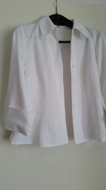Bela košuljica marke ELEMENTS , Prelepa je i kvalitetna veličina 36 - Pirot