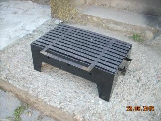 Okvir skare je napravljen od dekapiranog lima otpornog na toplotu. - Leskovac
