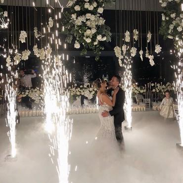 свадебная фотосъемка в Кыргызстан: Свадебный оформление зала все сложности #оформлениемероприятий #оформл