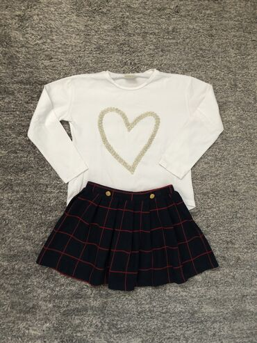 Paket sadrzi - Srbija: Zara majica i suknja vel 6