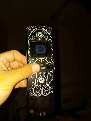 Motorola z9 - Srbija: Motorola v3 ispravna.zakljucana na neku mrezu.punjac i bazerija uz