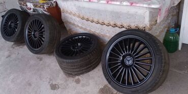 диски на w211 в Кыргызстан: Продаю AMG Оригинальные Диски на Мерседес w219 w211 r18 разноширокие