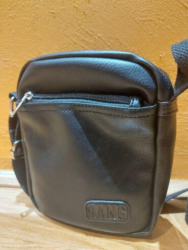 carape sa prstima u Srbija: Muska torbica klasicne velicine spremna i ocuvana za sve prilike. Ima