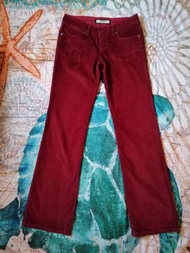 TIMEOUT bordo ženske somot pantalone, naznačene veličine 36. Dužina