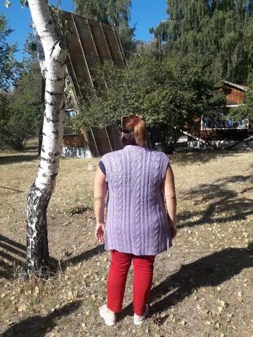 Женская одежда в Бактуу-Долоноту: Вязаный жилет ручной работы