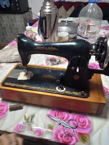 110 объявлений | ЭЛЕКТРОНИКА: Продаётся СССР кая швейная машина состаяние отличное все работает прод