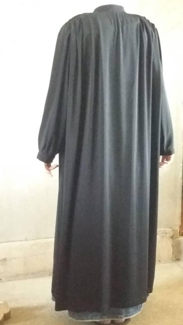хиджаб женский в Кыргызстан: Продам хиджаб ткань дубайская, очень хорошая, отдам за 1000 шила