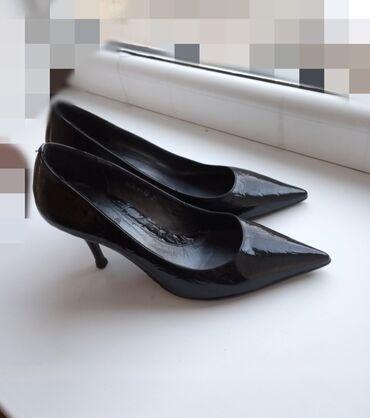 Туфли 35размер на узкую ножку Были надеты 1раз на мероприятие Покупала