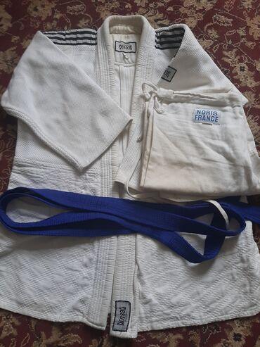 Veston Judo formasi SatılırYaxsı qalin formadı  Qiymeti 10 Manat