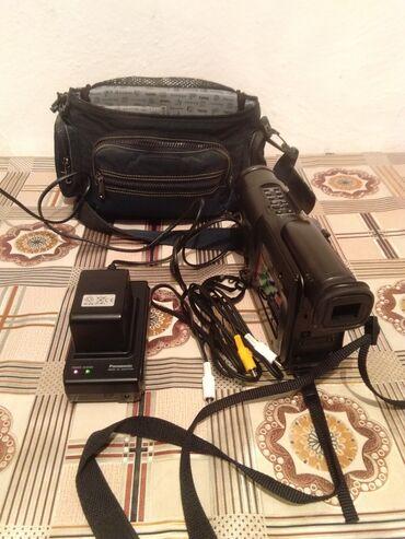 Видеокамеры - Кыргызстан: Продаю видео камера Panasonic RX7 идеальными состоянии