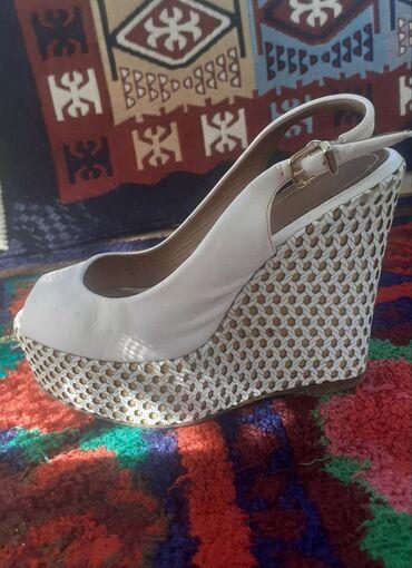фирменная обувь из германии в Кыргызстан: Идеальная обувь полностью кожа из дорогих фирм Италия. состоянии