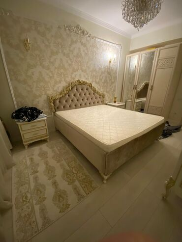 Двуспальные кровати - Кыргызстан: Элитная спальная итальянская кровать  цена: ( договорная )