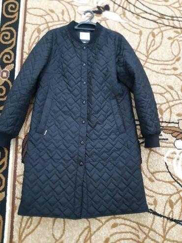 жен куртка в Кыргызстан: Демисезонная женская плащ куртка в отличном состоянии фирмы Mie