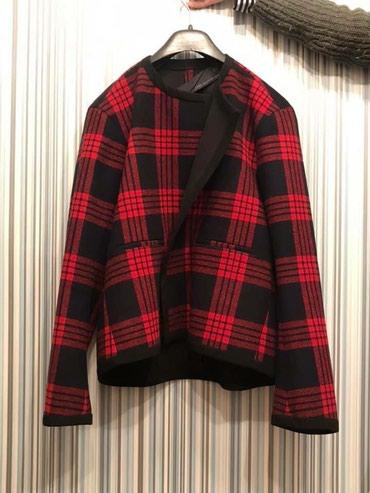 zhenskoe zimnee steganoe palto в Азербайджан: Zara brand, geyinilmeyib razmer M