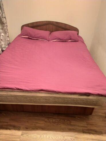спальные кровати с матрасами в Кыргызстан: Продам спальный диван с ящиками для белья в хорошем состоянии с корейс