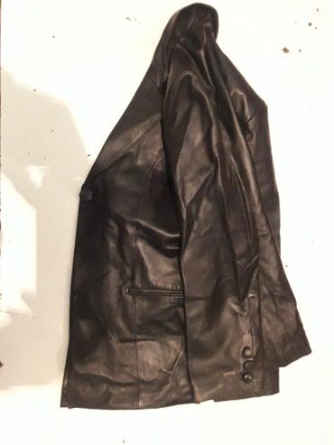 Коженный пиджак. 2000 сом.  просто в Бишкек