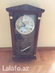 Bakı şəhərində SaatDivar saatı