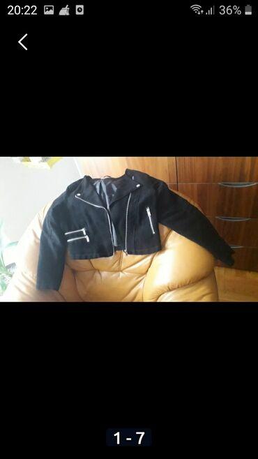 Preslatka HM jaknica rokerka vel 152 od prevrnute koze, bez ostecenja