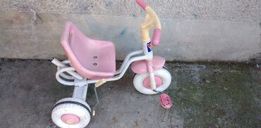 Tricikli - Srbija: Deciji triciklduz.60,sir.45,vis.sedista 26 cm.,naprsao p.blatobran
