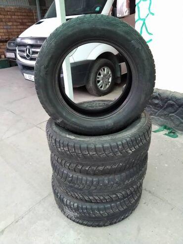 шипованные шины б у в Кыргызстан: Продаю б/у зимние шипованные шины 6500 сом за комплект, размер