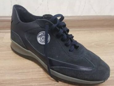 Срочно продаю синию мужскую новую обувь. Привезли из Италии. Размер
