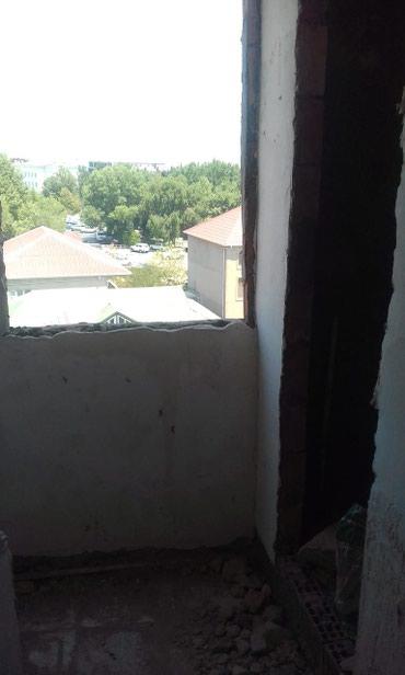 Ev xirdalan dairesinde respublikanski qayi ile uzbe uzdu evi alan в Bakı