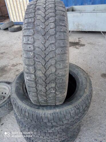 шини б у 215 60 17 в Кыргызстан: Продаю 2 пары зимних шин фирмы Yokohama состояние отличное, износ прот
