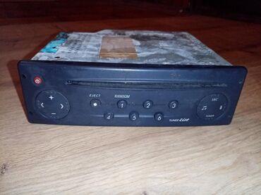 Audio oprema za auto   Srbija: Radio za auto, ispravan. Pisati ili zvati za vise informacija
