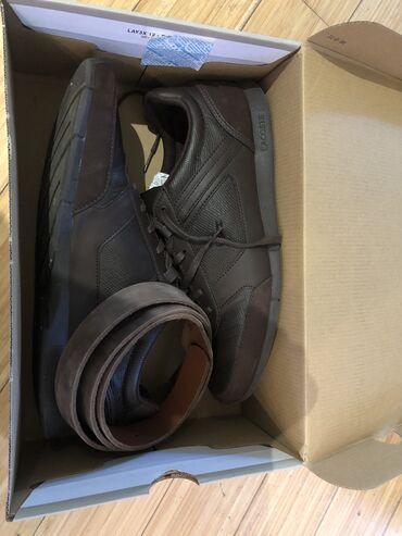 Lacoste - Srbija: Lacoste muske kozne cipele i kozni kais. Broj cipela je 44, medjutim k