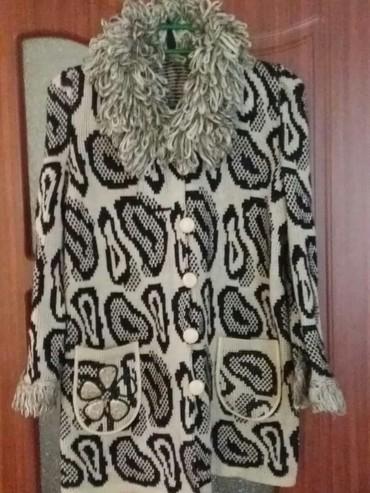 Пальто вязанное на 8,9 лет без катушек, без затяжек в хорошем