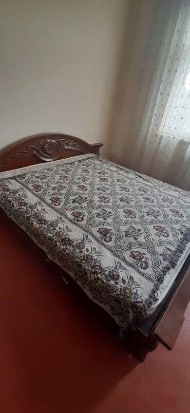 - Azərbaycan: Mənzil kirayə verilir: 3 otaqlı, 65 kv. m, Bakı