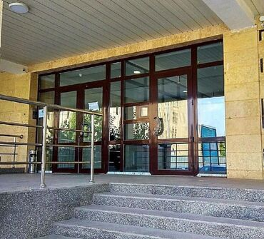 гостиница дом в Кыргызстан: Шок цена!!!Сдается офис 60м2 с ремонтом в центре!!! На первом
