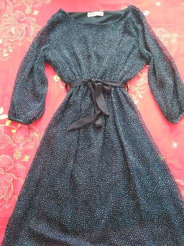 длинное шифоновое платье в Кыргызстан: Темно синее в горошек платье от zara, пояс, длина чуть ниже колена