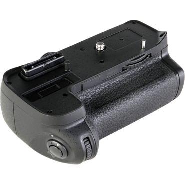 Продаю новый батарейный блок на nikon d7000 в Бишкек