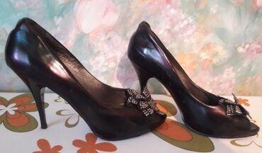 Туфли р.37-38 новые, очень удобная колодка (один раз в ресторан)