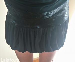 Crna leprsava suknja sa krljuštima. Stanje odlično ♥  - Novi Sad