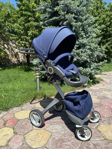 Продаю коляску Stokke XPlory оригинал цвет Deep Blue (синий) в