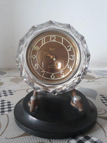"""Bakı şəhərində Xrustal """"mayak"""" saatı. 1965-ci ilin istehsalı. Saat hazırda"""