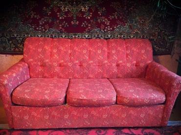 Продаю Диван с двумя креслами б/у в в Novopokrovka