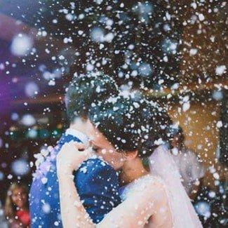 преподаватель танцев в Кыргызстан: Снег на танец молодых. Искусственный снег станет ярким и гармоничным д