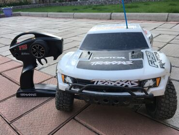 Детские электрокары - Кыргызстан: Автомобиль Traxxas Raptor RC. Отличное состояние. 2 батареи. Зарядн