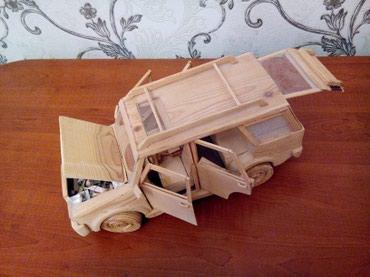 Gəncə şəhərində El işim.Jeep-Taxta maşin modeli .bir cox funkusiyaya malik